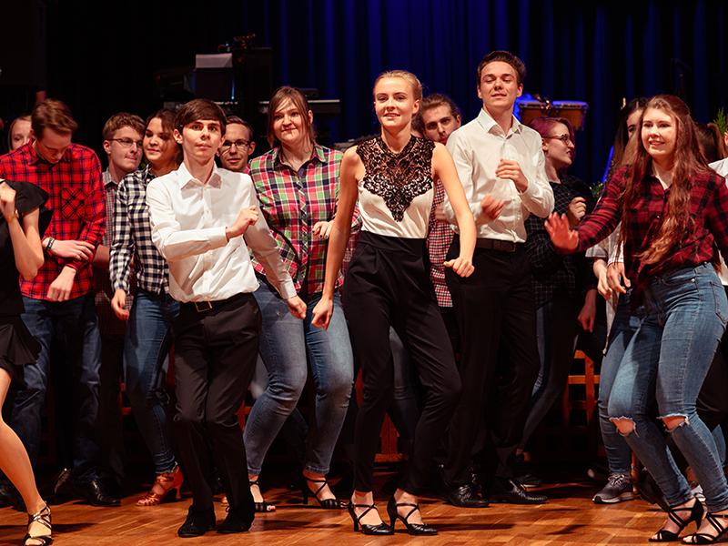 Tanzstudio-Steinlein-Galabesucher-2019-025